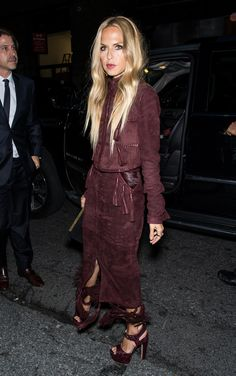 Tracking the Celebrity Style at New York Fashion Week : Celebrity Style at New York Fashion Week Spring 2016 - Rachel Zoe in a monochromatic maroon suede ensemble + matching heeled sandals Gigi, Kylie, Kim, and more. New York Fashion, Fashion Mode, Fashion Week, Star Fashion, Look Fashion, Autumn Fashion, Fashion Outfits, Fashion Tips, Fashion Spring