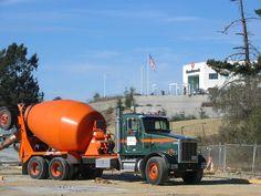 Graniterock mixer truck Semi Trucks, Big Trucks, Cement Mixer Truck, Types Of Concrete, Equipment Trailers, Transformers Autobots, Concrete Mixers, Heavy Duty Trucks, Peterbilt Trucks