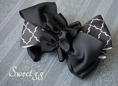 Hair Ribbons, Diy Hair Bows, Ribbon Bows, Headband Hairstyles, Diy Hairstyles, Leather Diy Crafts, Ribbon Crafts, Ribbon Embroidery, Handmade Bags