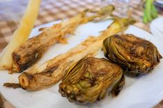 Join Devour Barcelona on our first annual calçots experience! If you are looking for a truly local experience outside of the city, this is the day trip for you! We will head outside of Barcelona to the nearby village of Alella, where we have a morning full of fun and food waiting for you. First …