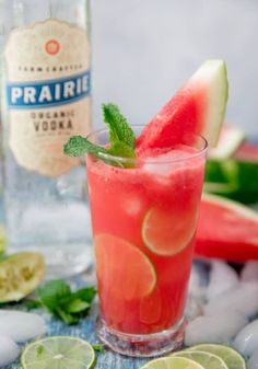 Watermelon Vodka Drinks, Cucumber Vodka, Watermelon Mint, Vodka Cranberry Cocktail, Cocktail Garnish, Cocktail Recipes, Drink Recipes, Cranberry Juice, Sweet Cocktails