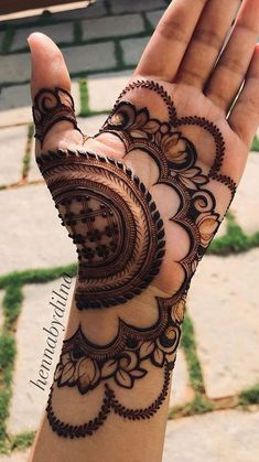 Full Mehndi Designs, Floral Henna Designs, Latest Bridal Mehndi Designs, Legs Mehndi Design, Henna Art Designs, Mehndi Designs For Beginners, Mehndi Designs For Girls, Mehndi Design Photos, Wedding Mehndi Designs