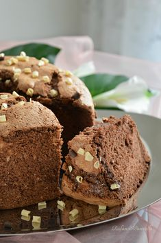 Chiffon cake al cioccolato  http://blog.giallozafferano.it/rafanoecannella/chiffon-cake-al-cioccolato/