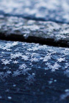 Snowflakes on the Roof by ILIAS NIOTIS