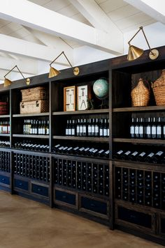 Come with us and find the vintage world of modern furniture and lighting! Get the best home decor inspirations for your interior design project with u Wine Shelves, Wine Storage, Wine Shop Interior, Interior Design Minimalist, Modern Design, Wine Cellar Design, Drink Bar, Wine Display, Wine Wall