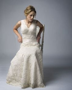 never really liked lace, but this dress is ah-mazing..