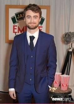 Pin for Later: 40 Pictures That Prove Daniel Radcliffe Is a Heartthrob 1950s Jacket Mens, Cargo Jacket Mens, Grey Bomber Jacket, Green Cargo Jacket, Leather Jacket, Daniel Radcliffe New Movie, Khaki Parka, Army Men, Man Set