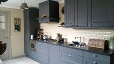 Beautiful Kitchens, Beautiful Interiors, Bread Kitchen, Country Kitchen, Kitchen Cabinets, Room, House, Ale, Home Decor