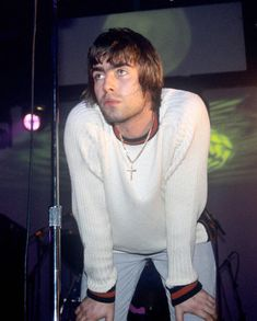 'You are a great singer and I mean that most sincerely , and I love you. You're top man.' - Noel on Liam Music X, Music Bands, Liam Gallagher Noel Gallagher, Graham Coxon, Beady Eye, Band Photography, Secret Crush, Britpop, Wonderwall