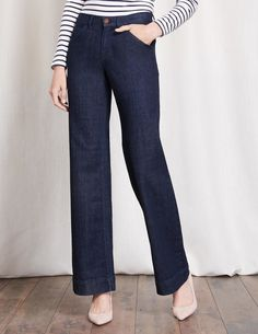 These new wide-leg jeans come with angled pockets (hello, perky) and a flattering, easy-going fit. We've picked out a denim in a slightly lighter weight for a flowing movement as you sashay along. Balance the look with a bohemian silk blouse.
