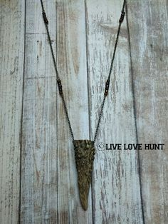 live love hunt™ antler necklace, mahogany mix