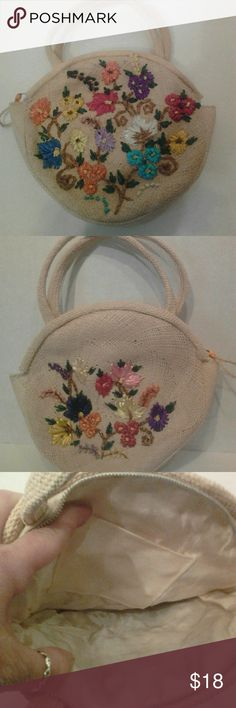 Handmade hawaii Excellent condition..The thread is so vibrant and colorful Bags