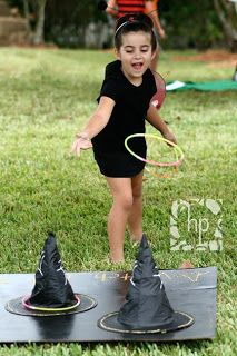 Witch Hat Ring Toss- buy witch hats from dollar store or party city and use glow necklaces as the rings. Easter Party Games, Halloween Carnival, Halloween Games, First Halloween, Halloween Party Costumes, Halloween Birthday, Holidays Halloween, Halloween Kids, Halloween Crafts