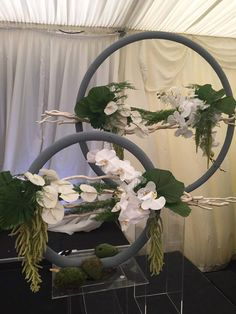 The idea of it. Hotel Flower Arrangements, Contemporary Flower Arrangements, Deco Floral, Arte Floral, Flower Show, Flower Art, Unique Flowers, Beautiful Flowers, Hotel Flowers