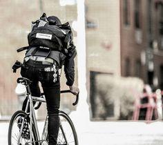 Learning to ride a bike is no big deal. Bmx, Mini Velo, Bike Photography, Photography Basics, Bike Messenger, Urban Cycling, Biker, Fixed Gear Bike, Bicycle Maintenance