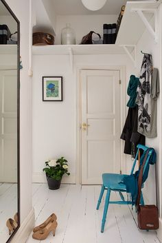 """Here at Apartment Therapy, we're huge proponents of the landing strip—having a dedicated """"clutter filter"""" in the entryway can make your whole home more organized Hallway Decorating, Decorating Small Spaces, Decorating Ideas, Decorating Websites, Decor Ideas, Patio Interior, Interior Design, Interior Door, Wall Design"""