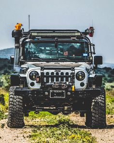Custom kitted Off-road Jeep | Modified | Lifted