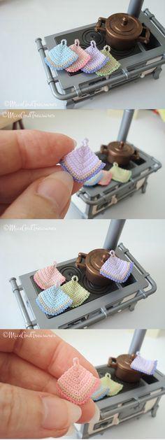 Dollhouse Crochet Potholder Miniature