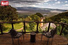 La Tanzanie est l'une des destinations idéales pour faire des safaris.Il est fréquent d'y observer d'imposants mammifères comme des rhinocéros, des él... Destination Voyage, Safari, Destinations, Outdoor Furniture, Outdoor Decor, Wanderlust, Comme, Travel, Home Decor