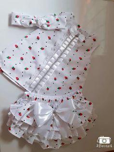 Ropa de bb Baby Dress Design, Baby Girl Dress Patterns, Baby Clothes Patterns, Cute Baby Clothes, Little Girl Dresses, Baby Girl Fashion, Kids Fashion, Baby Frocks Designs, Kids Frocks