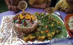 www.artywings.com...........very creative presentation of cake n khaman.......wow!!!!!!!!!!!