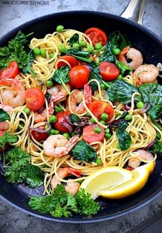 Spaghetti with prawns, my absolute favourite dish Pasta Recipes, Cooking Recipes, Healthy Recipes, Seafood Dishes, Pasta Dishes, Spa Food, Good Food, Yummy Food, Italian Recipes