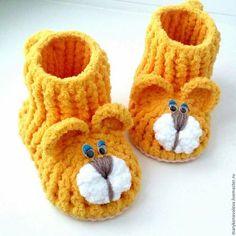 49 ideas crochet patterns free baby boy blankets kids for 2019 Crochet Baby Boots, Crochet For Boys, Crochet Shoes, Crochet Slippers, Crochet Dolls, Baby Girl Sandals, Baby Booties, Baby Shoes, Baby Boy Blankets