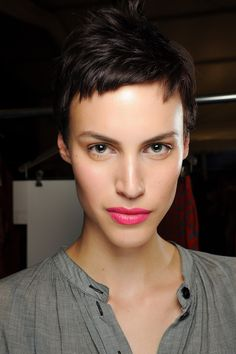 Short crop and magenta lipstick