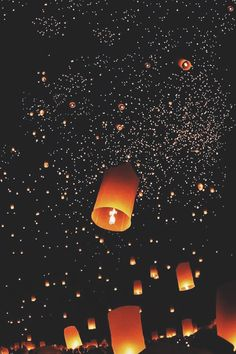 Let the little things define us photos фоновые изображения, Cute Wallpaper Backgrounds, Screen Wallpaper, Galaxy Wallpaper, Cute Wallpapers, Floating Lanterns, Sky Lanterns, Amazing Photography, Nature Photography, Night Skies