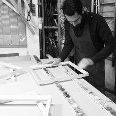 Fasi di lavorazione... #artigianato #artigiano #fattoamano #cornici #cornicisumisura #pictureframes #framer #handmade #legno #chiavari
