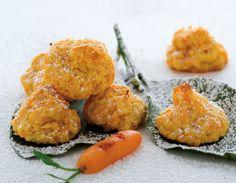 Biscotti alla carota200 g di carote grattugiate 80 g di farina 50 g di zucchero 30 g di burro 2 cucchiai di buccia grattugiata di limone 1 cucchiaino di lievito zucchero a velo