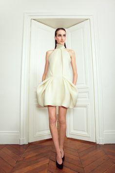 Martin Grant Fall 2012 Ready-to-Wear Fashion Show - Thana Kuhnen (NATHALIE)