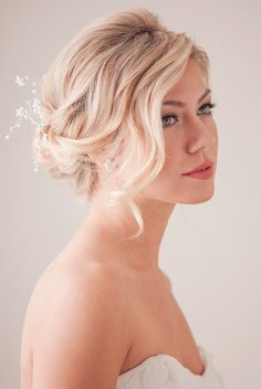 LOVE THIS. Sexy, sweet and gorgeous. Also teh lip color! bridal hair tutorial | 100 Layer Cake