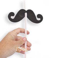 Canarinhos de papel decorados com o bigode do Bita