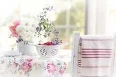 summer table   Flickr - Photo Sharing!