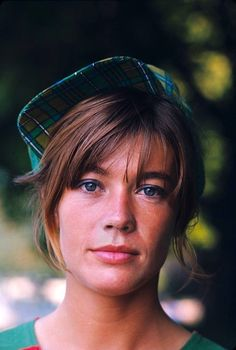 Françoise Hardy in Françoise Hardy, French Beauty, Classic Beauty, Timeless Photography, Portraits, Famous Artists, Girl Crushes, Style Icons, Look Alike