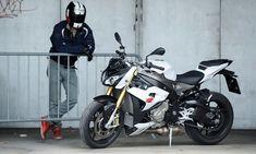 Mit der S1000R hat BMW die Welt der Naked-Bikes von heute auf morgen auf den Kopf gestellt. Das unverkleidete Motorrad bietet Performance wie ein Supersportler – und kommt auch noch zum Kampfpreis.
