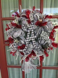 Alabama Crimson Tide Deco Mesh Door Wreath by CrazyboutDeco Alabama Football Wreath, Alabama Wreaths, Football Baby, Football Season, College Football, Football Team, Deco Mesh Wreaths, Door Wreaths, Alabama Crafts