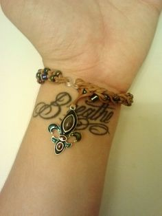 Check out this item in my Etsy shop https://www.etsy.com/listing/198138100/fleur-de-lis-beaded-rubber-band-bracelet