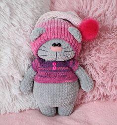 Ещё одна плюшка  Связана из Камтекс велюр, крючок 3,5! Crochet Amigurumi, Amigurumi Toys, Amigurumi Patterns, Crochet Dolls, Crochet Patterns, Cute Crochet, Crochet Baby, Sock Crafts, Blanket Yarn