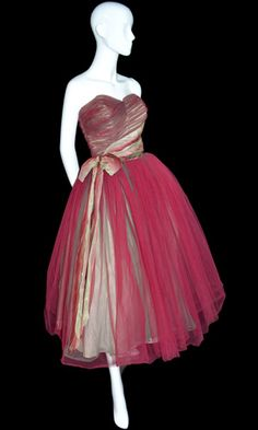 ~Fantastic Vintage Mary Carter red and green strapless tulle 1950s dress~