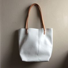 Hey, I found this really awesome Etsy listing at https://www.etsy.com/listing/214414094/paper-white-leather-tote-bag-everyday