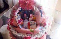 Resultado de imagen para ideas para decorar una tienda de detalles Bebe Shower, Baby Sewing, Decoupage, Wraps, Children, Wrapping Ideas, Baby Gifts, Diaper Basket, Basket Gift