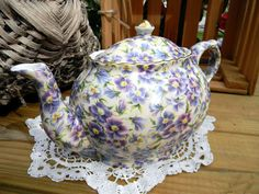 Arthur Wood Pansy Chintz Teapot Tea Pot - Gorgeous Vintage Transfer Ware Pot . This delightful chintz teapot will be the highlight of your next