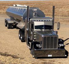 Show Trucks, Big Rig Trucks, Mini Trucks, Custom Peterbilt, Peterbilt 379, Custom Big Rigs, Custom Trucks, Truck Roof Rack, Lowrider Trucks