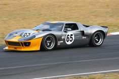 Sports Car Racing, Sport Cars, F1 Racing, Classic Race Cars, American Auto, Pretty Cars, Gt Cars, Ford Gt40, Automobile