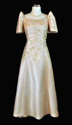 Barongs R Us is offering extremely stylish Filipiniana gowns at affordable prices and wide variety o Modern Filipiniana Dress, Filipiniana Wedding, Barong Tagalog For Women, Long A Line Skirt, Senior Prom Dresses, Formal Gowns, Formal Wear, Dress Making Patterns, Woman Outfits