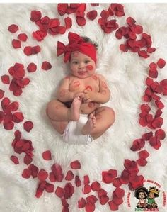Valentine's Day photo for my little girl - baby - fotografie baby - Newborn Photography Photos Saint Valentin, Baby Kalender, So Cute Baby, Monthly Baby Photos, Monthly Pictures, Baby Month Pictures, Family Pictures, 3 Month Photos, 6 Month Baby Picture Ideas