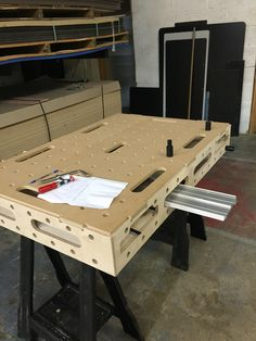 Teds Woodworking Plans MFT style top made in the UK.Teds Woodworking Plans MFT style top made in the UK Woodworking For Kids, Woodworking Jigs, Woodworking Furniture, Woodworking Projects, Carpentry, Paulk Workbench, Folding Workbench, Workbench Plans, Workshop Design
