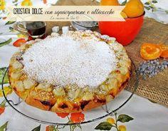 Una nuova crostata con squacquerone e albicocche un dolce dal gusto particolare e molto intrigante con la pasta sfoglia pronta